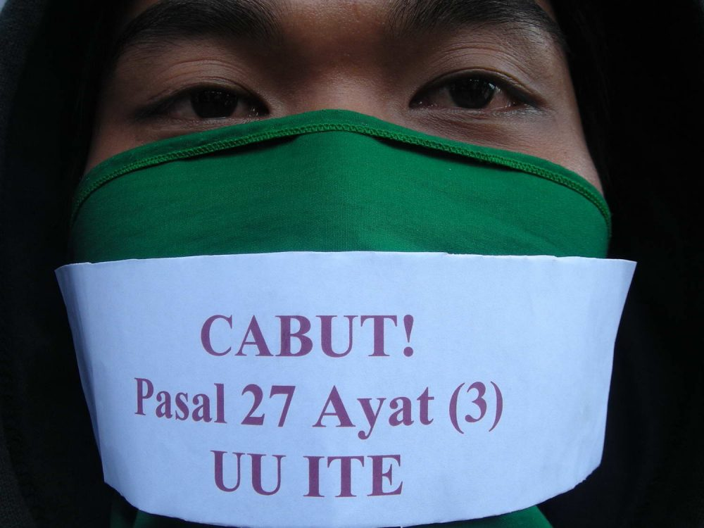 Aksi Demo Cabut UU ITE
