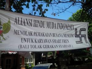 Spanduk Anti Busana Muslim