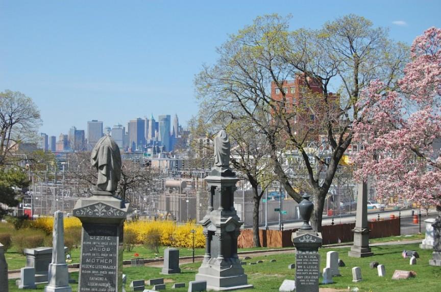 kuburan-new york